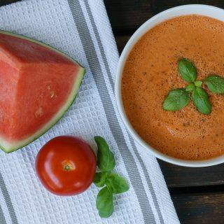 Sommer-Rezept: Tomaten Melonen Gazpacho für heiße Tage